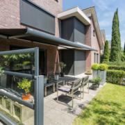 Verano Glastrennwand - Terrasse Ansicht von Aussen Links